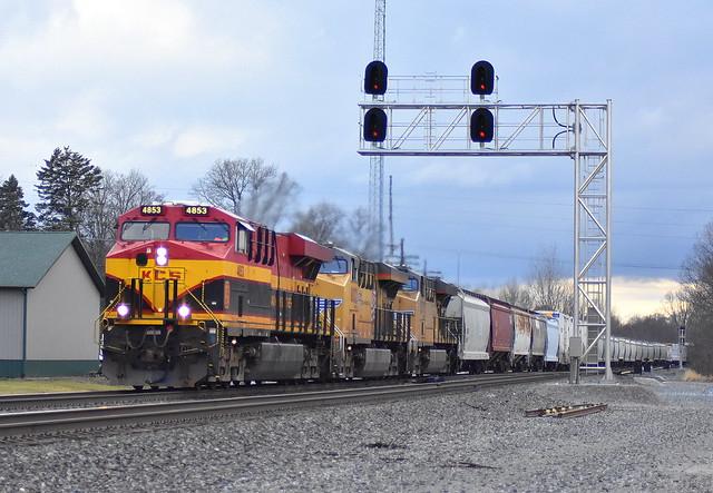 KCS unit leading 18A at Kendallville Indiana