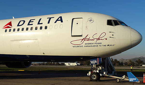 Delta B767-300ER Andrew Young SCL (RD)