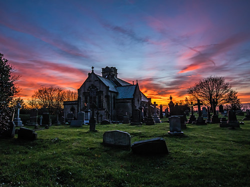 stannschurch lydgate saddleworth sunset evening gravestones graveyard trees night nightsky church orange structure westriding pennine pennines village yorkshire oldham greatermanchester 2018 november craighannah photography photos canon england uk landscape