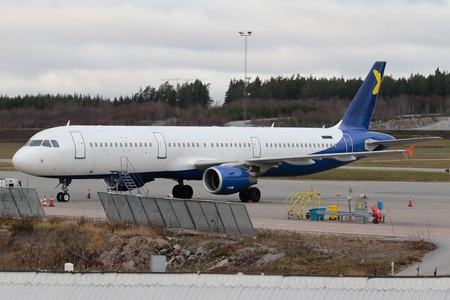 Former FANair Airbus A321-211 UR-CRI 181118 ARN