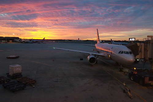 philadelphia philly usa pennsylvania airport phl sunrise terminal americanairlines airbus aa sandorson
