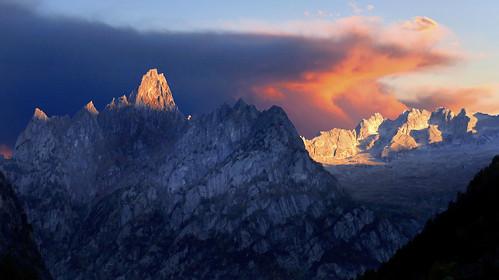 alpi alps masino cime punte creste granito roccia sunset cielo spazio natura silenzio contemplazione hiking esc esp vision dream armonia spirit art