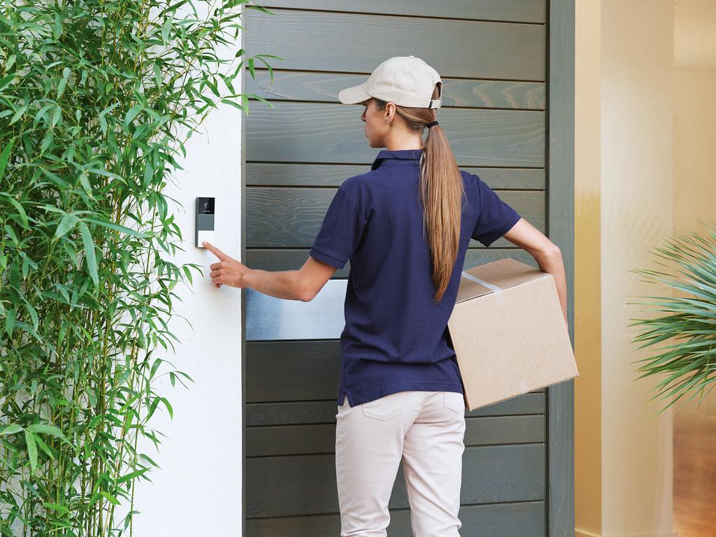 Doorbell-Delivery-WEB-HD