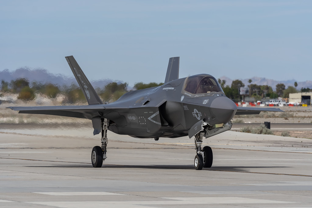 F 35A Lightning Ii Fighter Jets Taxiing - Nnvewga