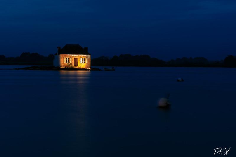 PiX  - Eric Gillard | Heure bleu sur Saint Cado