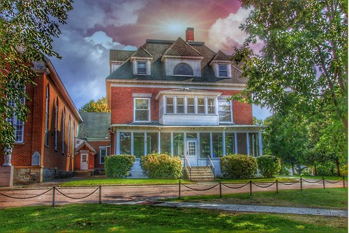 diocese ogdensburg the roman catholic church northern new york notre dame 11 place malone ny 12953 rector notredame franklincounty essexcounty historic nrhp mainstreet clergyhouse architecture style italianate sky clouds sunset hdr onasill rc religion canon eos rebel sl 1 sigma macro lens sl1 d6000