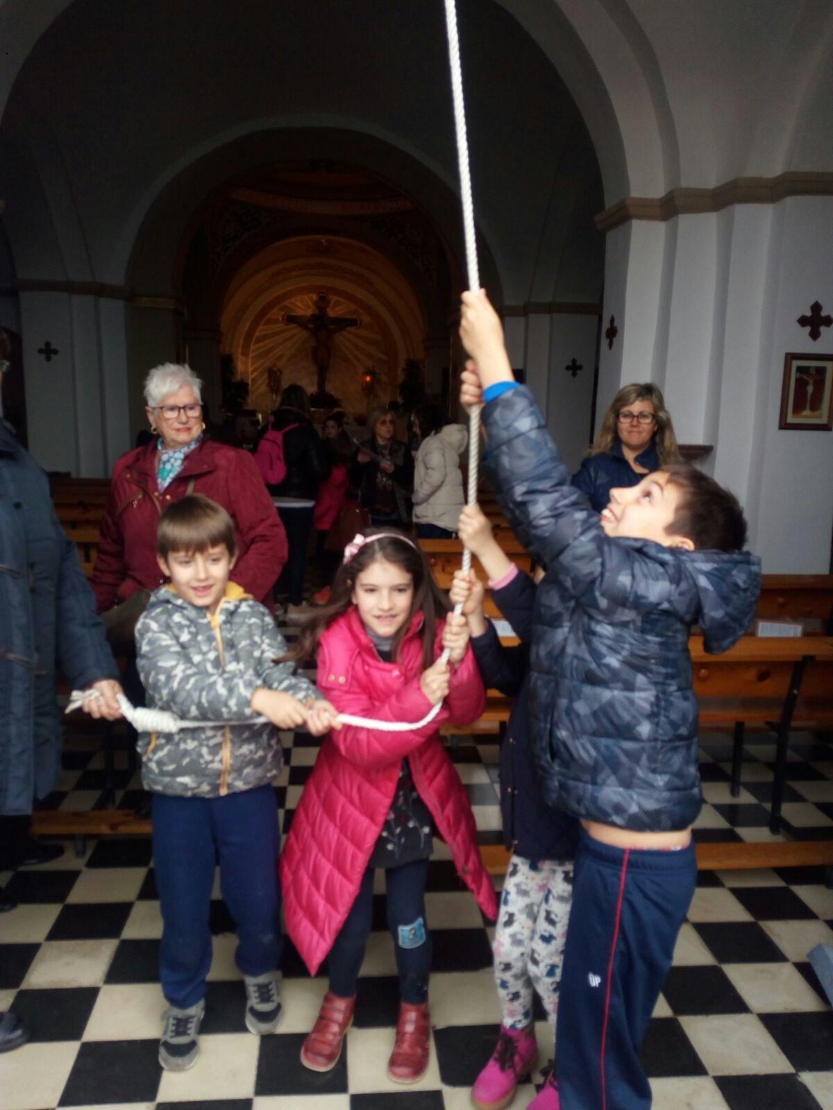 (2018-03-23) II Vía Crucis Infantil (Catequistas) (05)