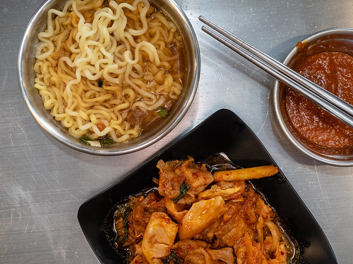 Yummy Duruchigi and Ramyun on my personal bowl and plate | by huislaw