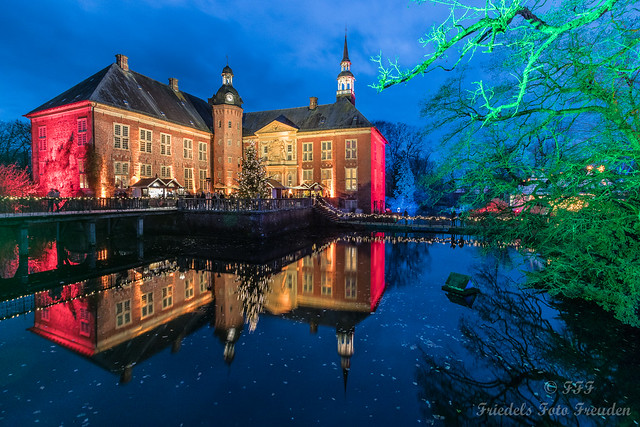 Adventurally illuminated castle Gödens in Friesland