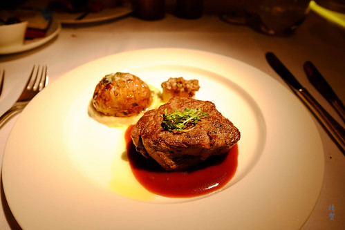 Beef tenderloin with red wine and thyme jus | by A. Wee