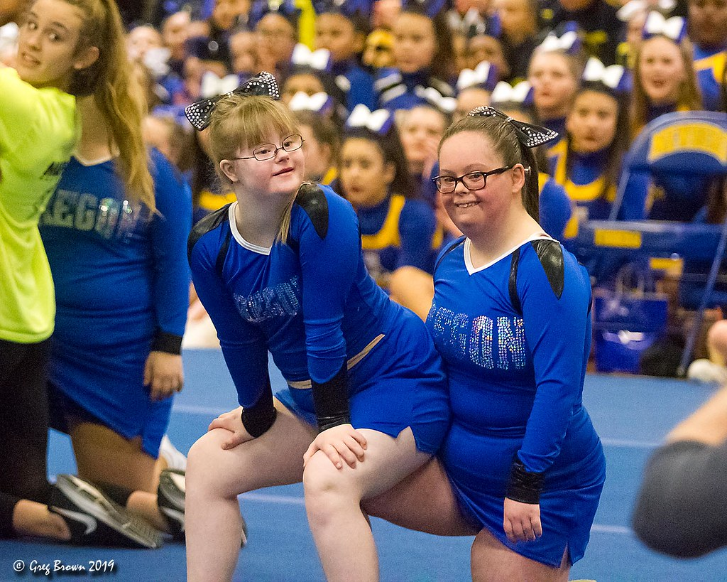 Oregon Dream Team Inspire Cheers in Newberg | Our daughter p