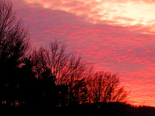 vestal newyork susquehannarivervalley appalachianmountains winter evening eveninglight sunset settingsun sunsetclouds trees