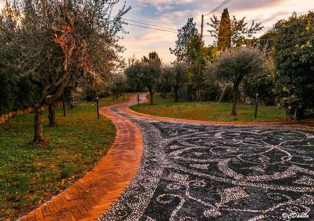 Autunno Giardino Italiano dopo la pioggia