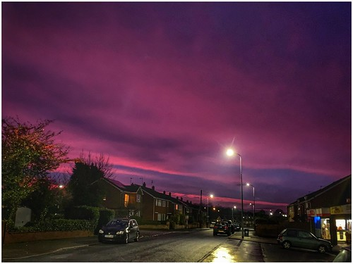 sunrise sunlit sunlight clouds sky skywatching street streetview weather weatherwatch nature naturephotography colour colourful cars shops houses suburban scunthorpe lincolnshire northlincolnshire nlincs yaddlethorpe morning outdoors outside image imageof imagecapture