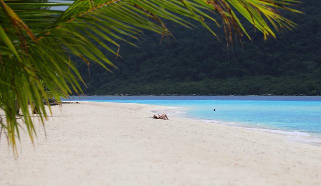 Low season Koh Lipe for deserted beaches