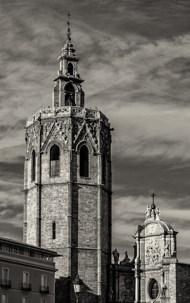 The Historic 15th Century Gothic Bell Tower - El Miguelete (El Micalet) Valencia Cathedral (BW) (Olympus OM-D EM1-II & Panasonic 12-60mm Zoom Lens)