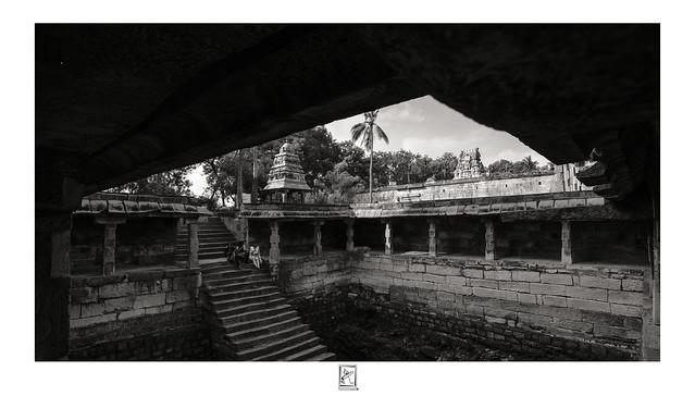Pool - Sri Valeeswarar Temple