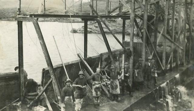 Waipori Working on the Crest Gates at Mahinerangi Dam, c1930s