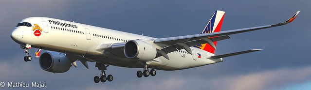 Airbus A350-900 / RP-C3507 ( The Love Bus )
