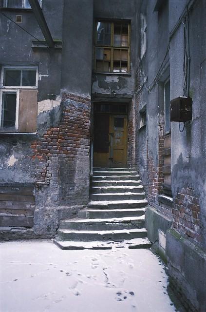 Warsaw courtyards