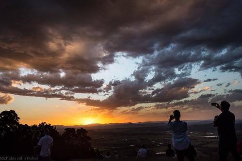 sunset sunsetclouds sundown tamborinemountain mounttamborine sequeensland queensland australia sky horizon people solarcultists