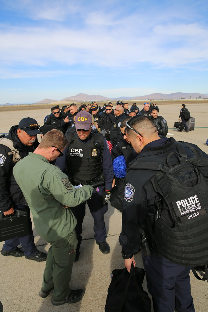 CBP officers arrive in San Diego to supplement Operation S…   Flickr