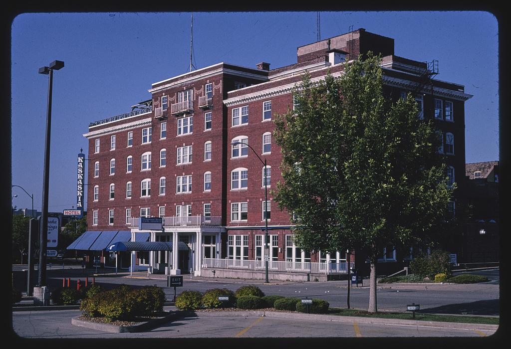 Kaskasia Hotel, Marquette Street, La Salle, Illinois (LOC)
