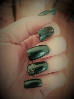 Nails - Christmas Green Sparkle | by kaortega1120