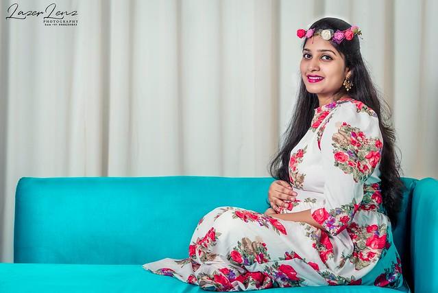 HAPPINESS is on the Way....😍😍❤️❤️💞 #maternityphotography #momtobe #maternityshoot #babybump #happyfeelings #love #fathertobe #photoshoot #likeforfollow #loveforever #maternity #instalike #bangalore #lazer