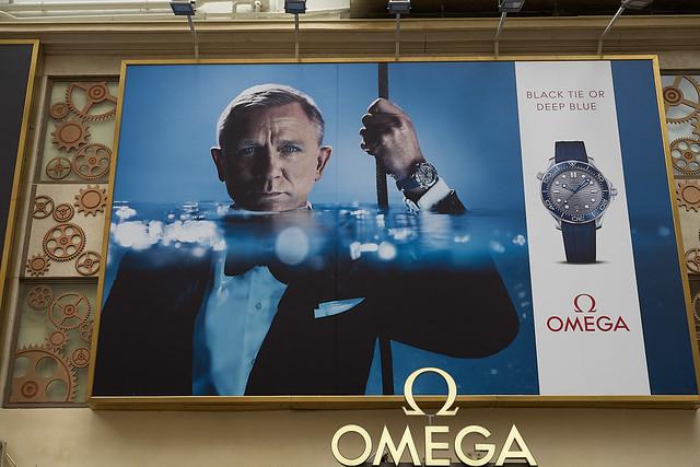 James Bond still wears a watch
