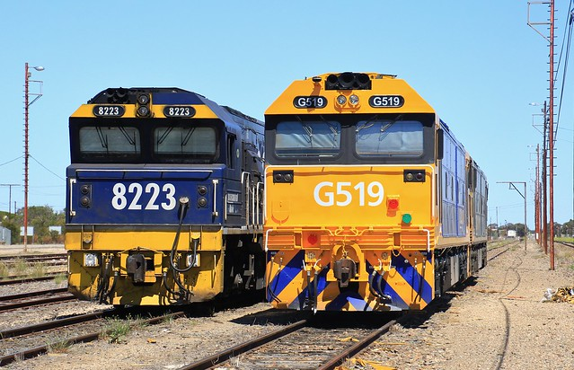 8223 G519 and G530 stabled in Tailem Bend