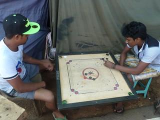 Trincomalee  jeu de Carrom (1)