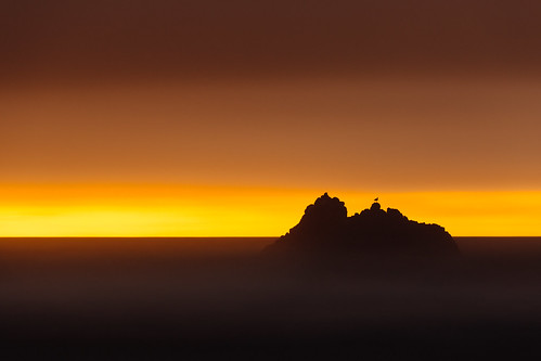 seascape longexposure sunset seagull rock ocean oregon cannonbeach pacificnorthwest canoneos5dmarkiii bwnd1000x sky clouds gradient sea canonef100400mmf4556lisusm minimal minimalism johnwestrock wallpaper background