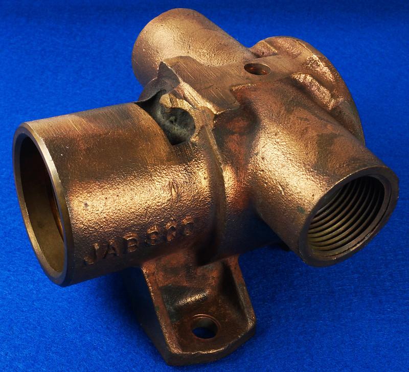 RD26699 Jabsco 2 inch Bronze Pedestal Pump Housing & Plate Only #18370-0000 DSC08791