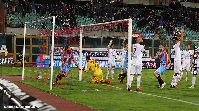 L'esultanza di Marotta dopo il gol vittoria sulla Reggina nella gara di andata di campionato