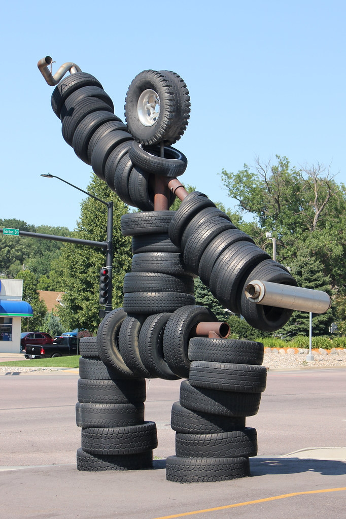 The Tire Man >> Tire Man Sioux City Ia Located At Where Else Tires Ti Flickr
