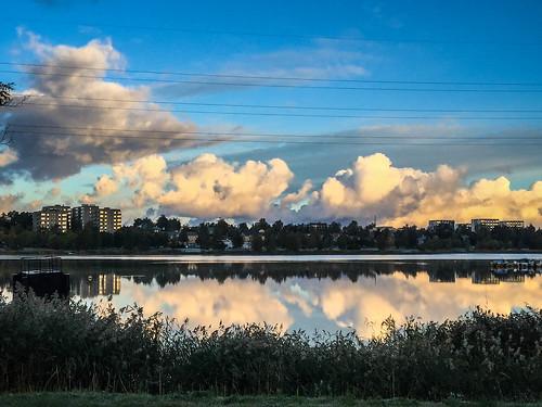 vaasa finland fi onkilahti reflection heijastus pilvet clouds bay palosaari