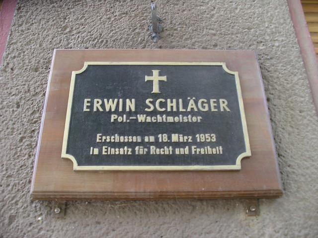 1950er Berlin-W. Gedenktafel Polizei-Wachtmeister Erwin Schläger (1907-1953) erschossen vor Graunstraße 37 in 13355 Gesundbrunnen