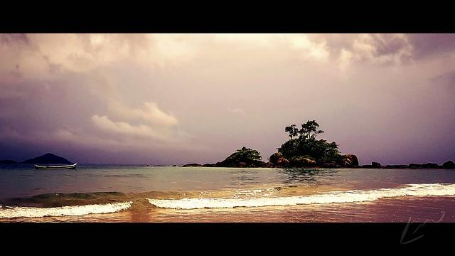 Catelhanos Beach - Ilhabela/SP - Brazil