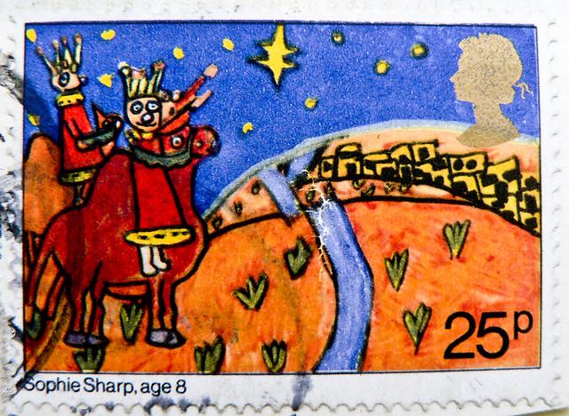 beautiful xmas stamp GB Great Britain 25p  Biblical Magi (painting by Sophie Sharp; Die drei Weisen; Die Hl. Drei Könige; Magi Bibbia, Reyes Magos, Napkeleti bölcsek, Três Reis Magos, Три царя, 東方三博士, drie koningen, Müneccimler, Три царі, Trzej Królowie,