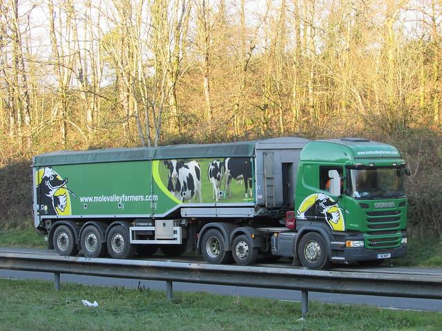 Scania R 450 N2MVF Mole Valley Farmers.