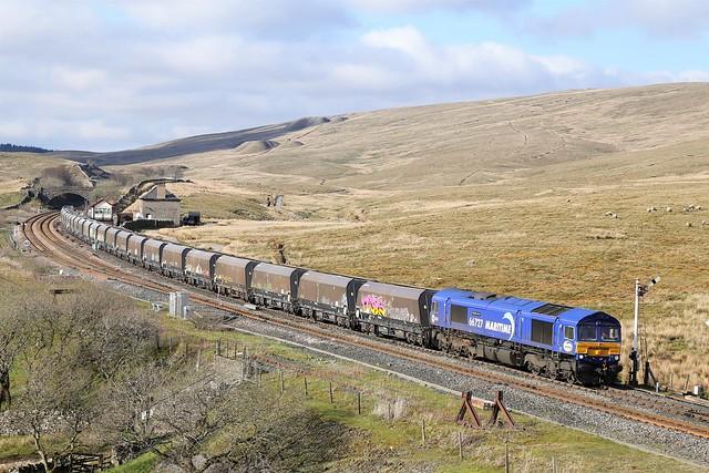 66727 departs Blea Moor