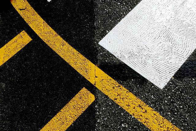 Los colores del asfalto  /  The asphalt colours