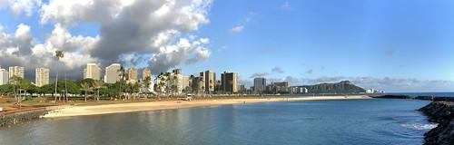 apple iphone8 alamoana magicisland diamondhead waikiki water sky clouds beach buildings trees ocean oahu hawaii honolulu msice