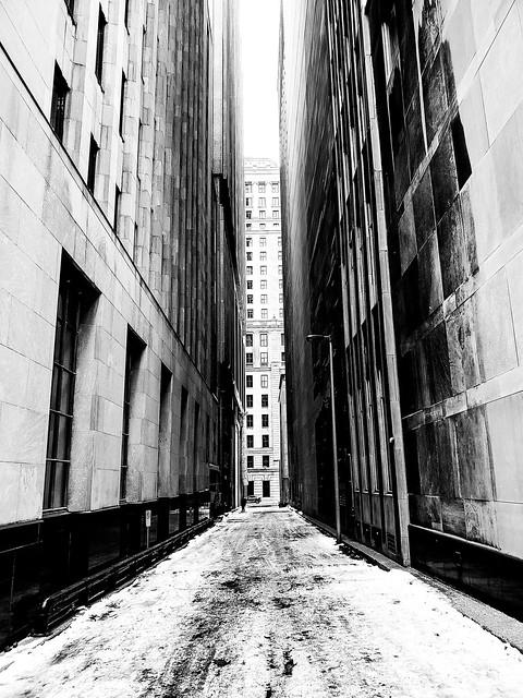 Narrow Passage (Montreal)
