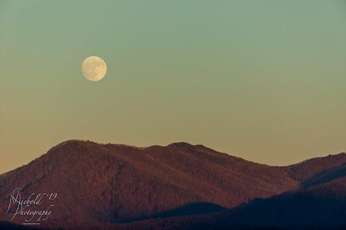 gatlinburg tennessee unitedstates us moon sunset nature outside sky light mountain