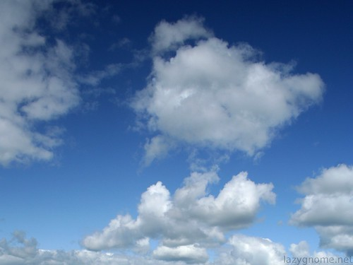 big_fluffy_clouds_1600x1200 | by Iain Cuthbertson
