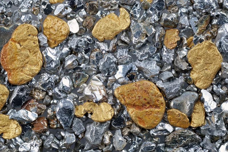 砂金と砂白金