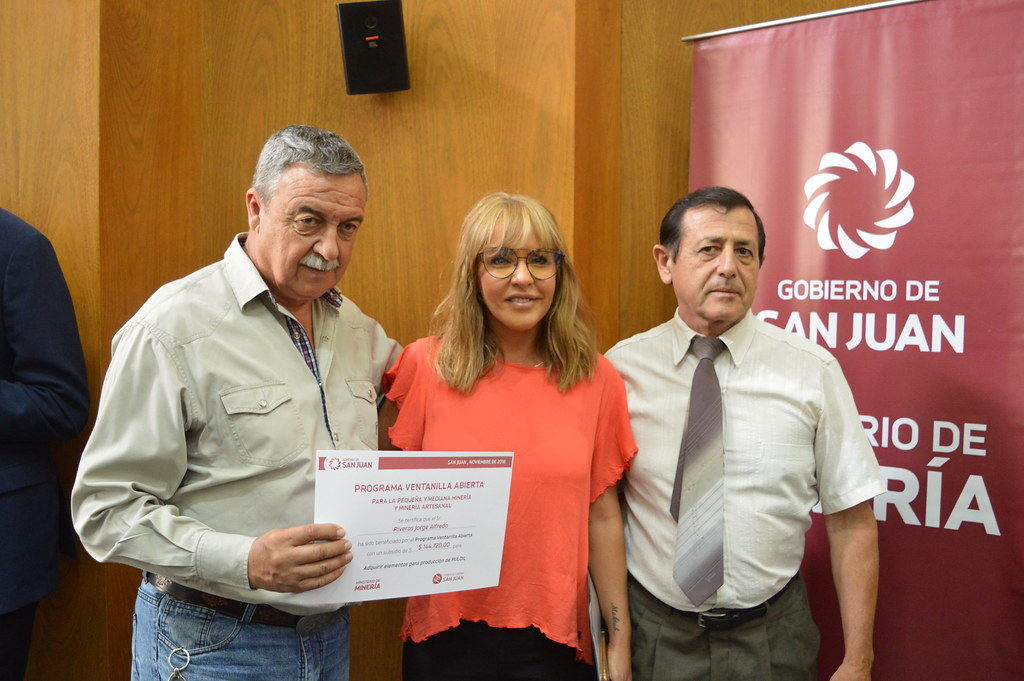 Entrega de certificados de Ventanilla Abierta