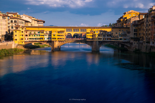 kiltro it italy italia firenze florence bridge ponte vecchio city street color sunset colour blue orange yellow longexposure europe